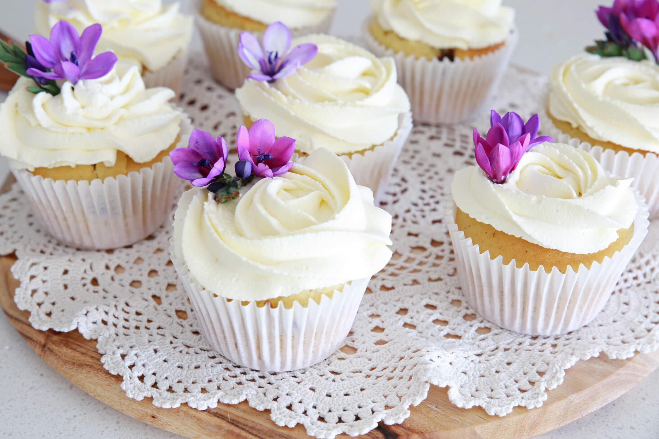 25 Wedding Cupcake Ideas And Designs Wedding Spot Blog