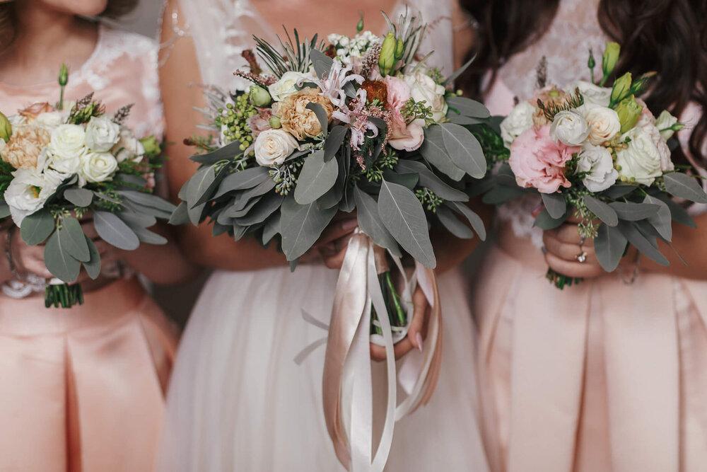 33 Bridesmaid Bouquet Ideas You Ll Love Wedding Spot Blog