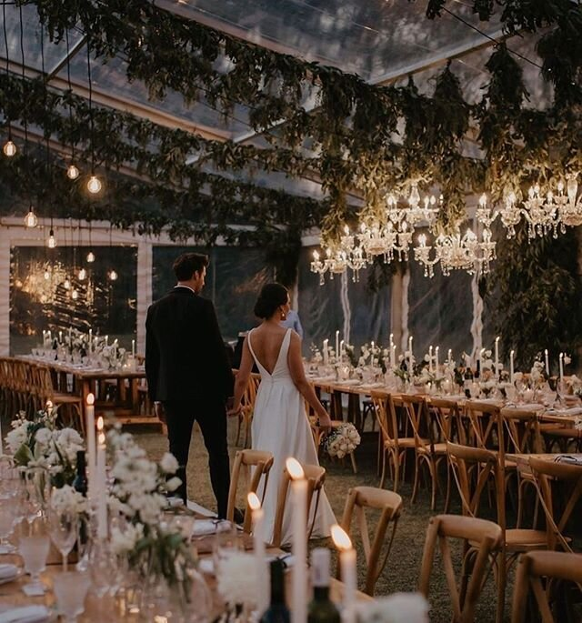 Chandeliers and candles are forever a match made in (wedding) heaven. 💘 💫| 📸: @vanillaphotography 📋 + 💐: @ohhappydaydbn