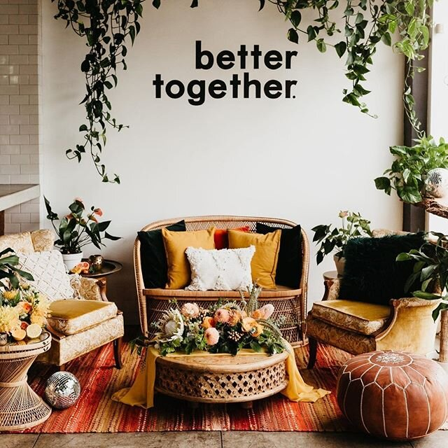 This little reception nook + wedding guests in need of a break from the dance floor = WAY better together. 💃 📷: @kamiolavarria | Design & Styling: @planprepparty | Florals: @thefloralcraft | Tabletop Rentals: @notmydish | Furniture & Rentals: @wonder.eventrentals | Letter Press: @lovelybonespaperie | Linens: @bbjlinen | Disco Ball Vases: @prissyemnashville | Venue: @fruitcraftsandiego | Brides: @taylorcay @naybug