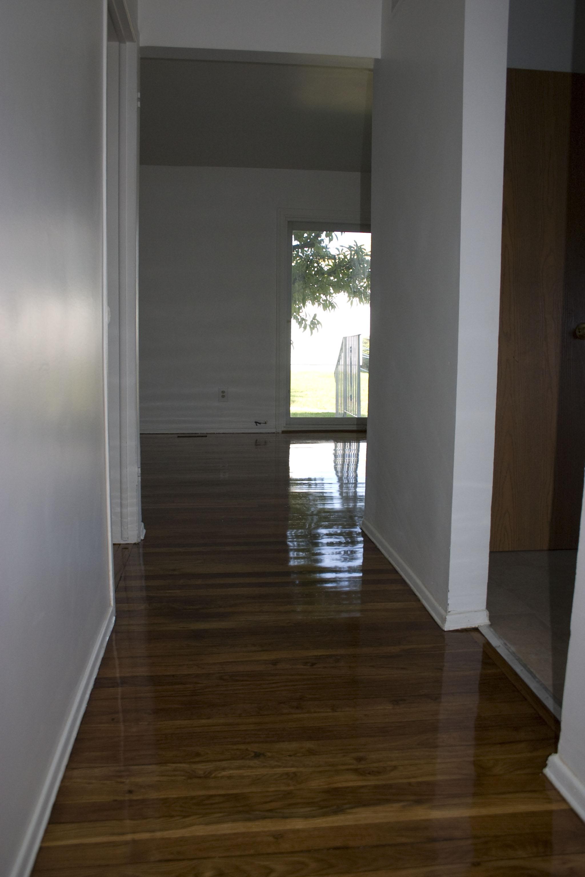 2-bedroom entryway