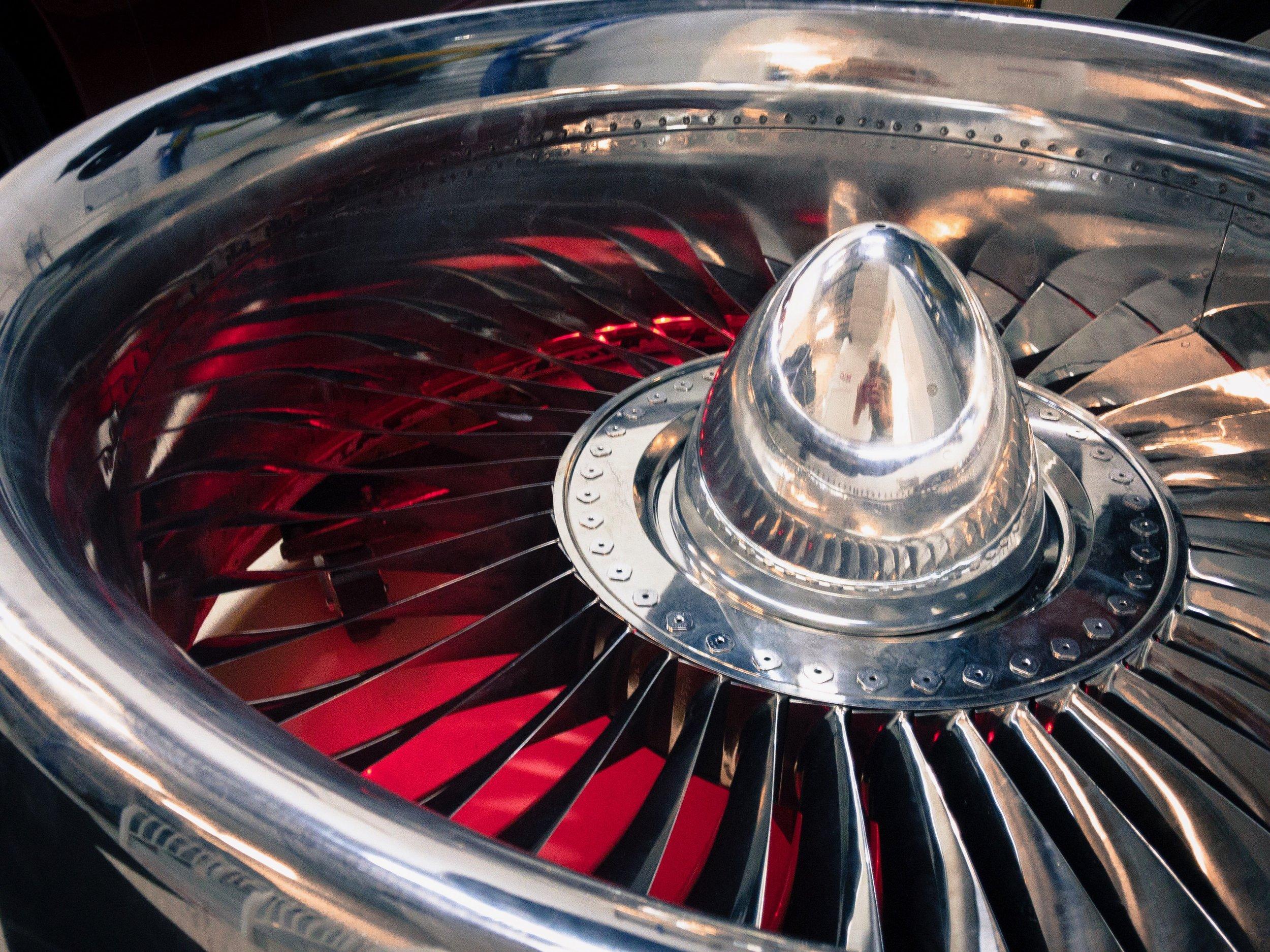 Red_Boeing 737 Jet Engine Coffee Table-1.JPG