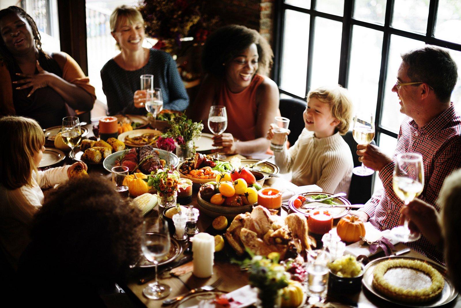 Thanksgiving-dinner-friends-and-family-at-potluck-G.jpg