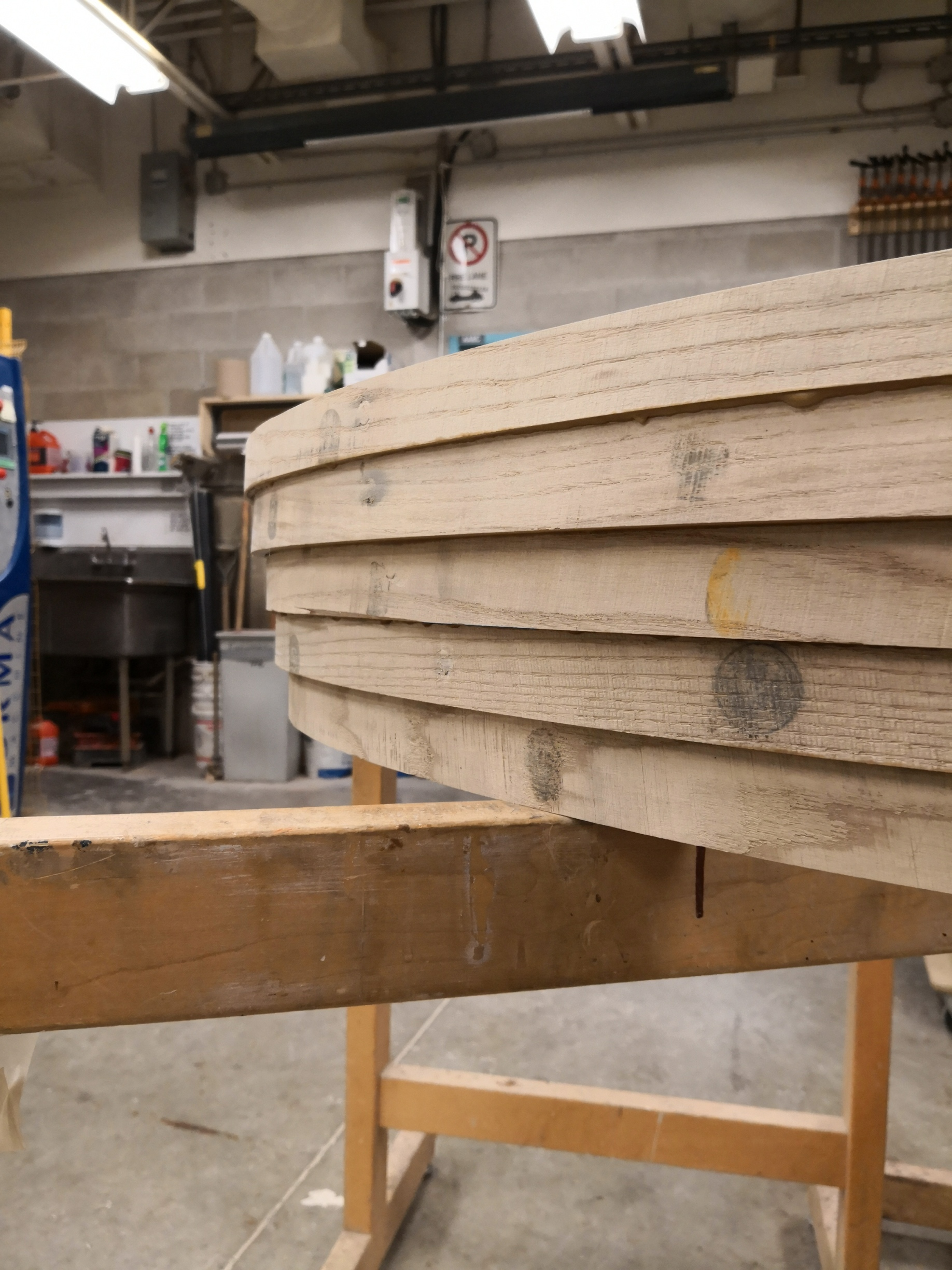 Five pieces are glued in staggered order