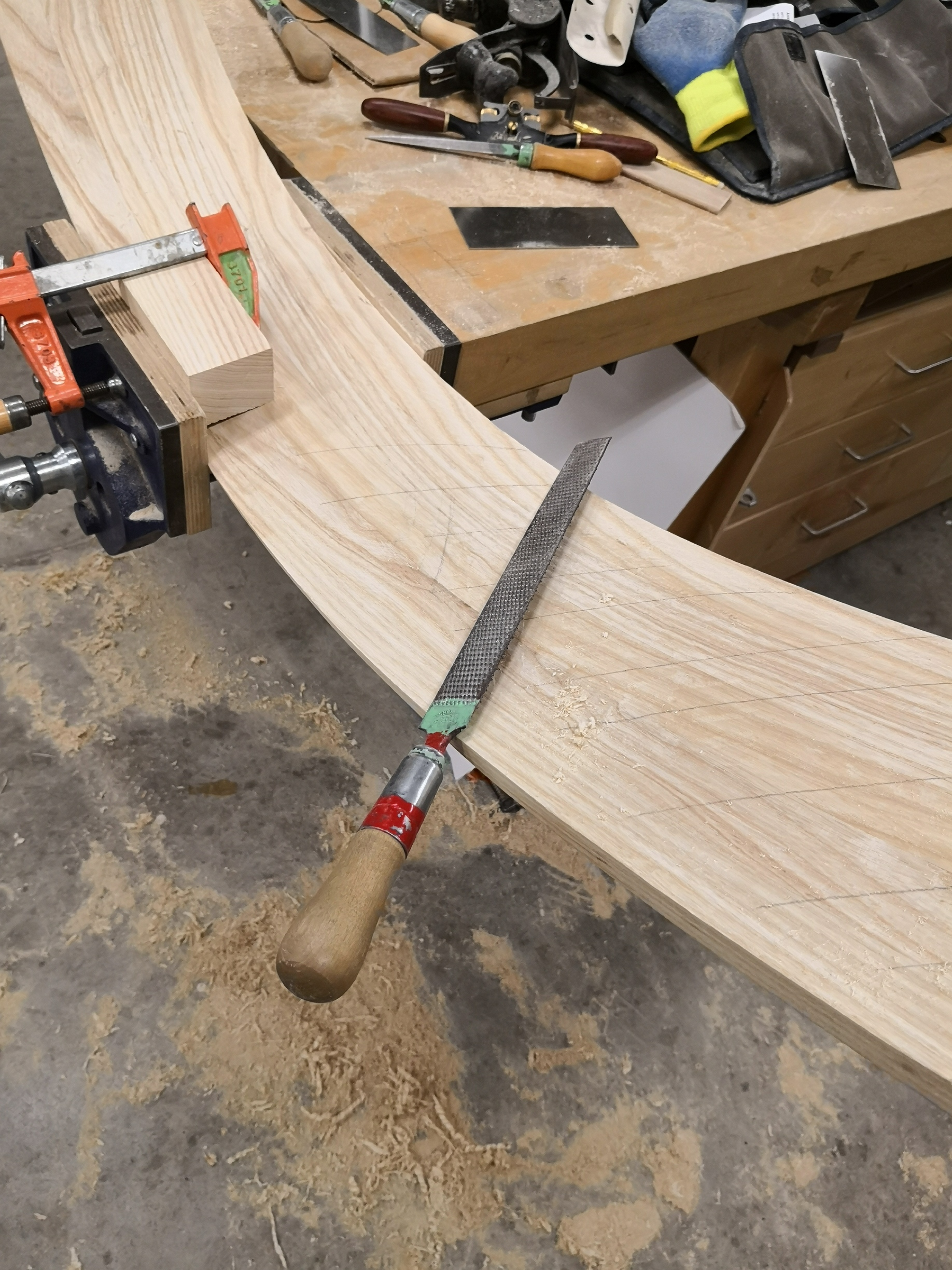 Shaping inside of the head rest with rasp