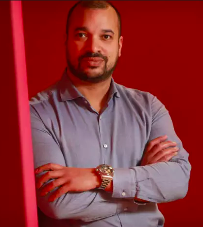 Tino Nombro - Director, in charge of Digital Marketing.