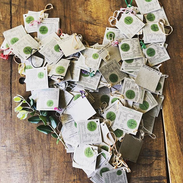 These are returned tags. Each tag represents the opposite of plastic packaging🙌 often times x 2-3! 💚 That's because we provide bulk foods packed in repurposed jars & encourage our customers to return the jars & labels to us to be used over & over & over again👌 💚 This Plastic Free July are you choosing to refuse food packed in plastic? Do you know where your local bulk food store is? 💚 Join millions around the world & encourage your mates to also sign up for the challenge at plasticfreejuly.org 💚 You will have heaps to talk about- challenges, wins, too hard basket, solutions... & fun!!! 💚 #plasticfreejuly #plasticfree #sustainability #simpleliving #health #wastefree #zerowaste #bulkfood #organicshop #boomerangbags #bulkfoodshop #pantrystaples #perth