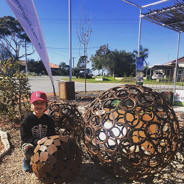 We 💚 Pear Tree Cafe in Hamilton Hill and we 💚 the space @theforeverproject  created for them out front, most of it made from repurposed parts♻️ Be sure to check it out😀 #ecofriendlycafe #greenspaces #theforeverproject #sustainability #supportlocal #perth #cityofcockburn #cafe #cafeperth @kerrystpeartree