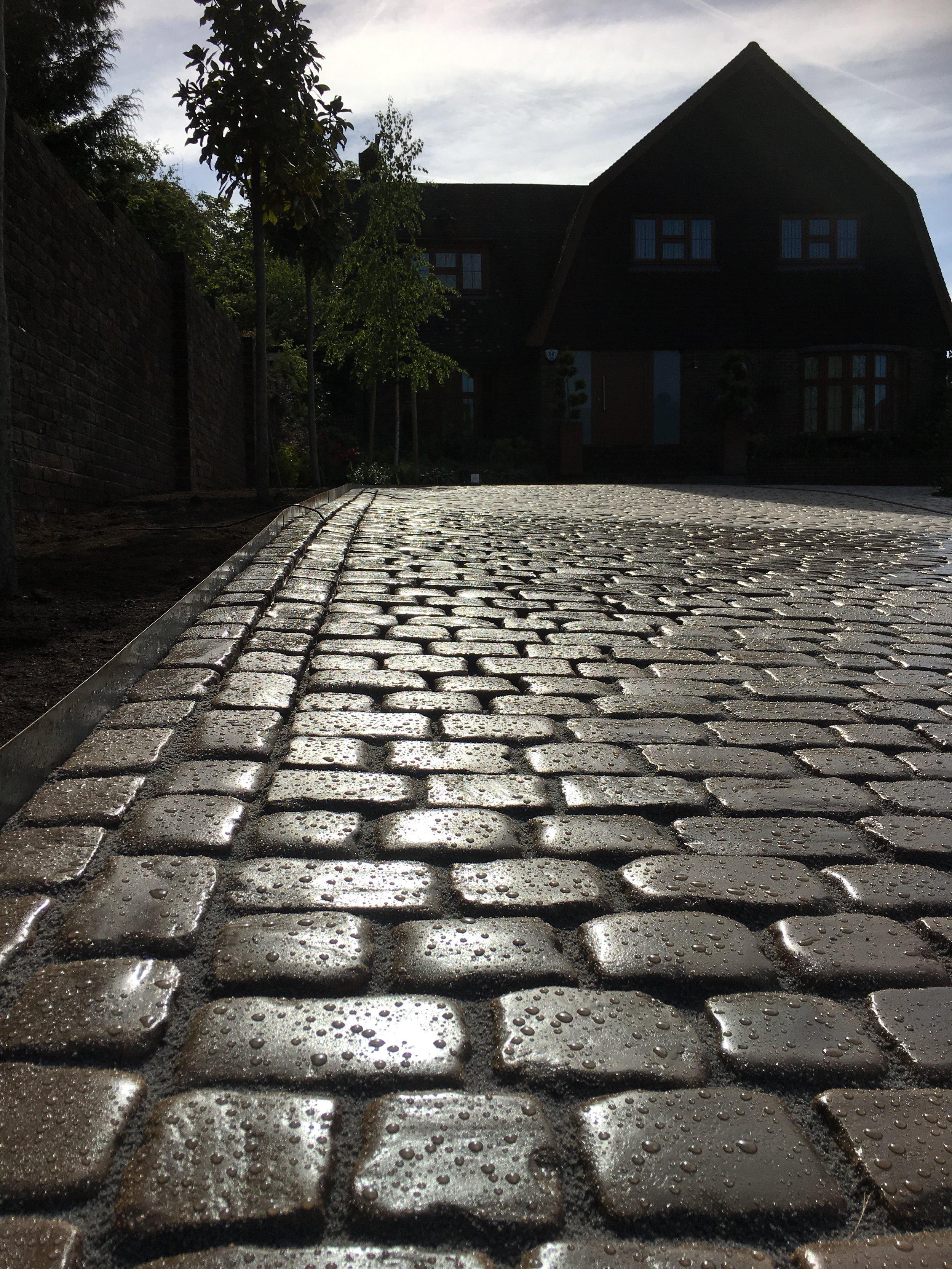 Marshalls Drivesys Paving on this stunning driveway