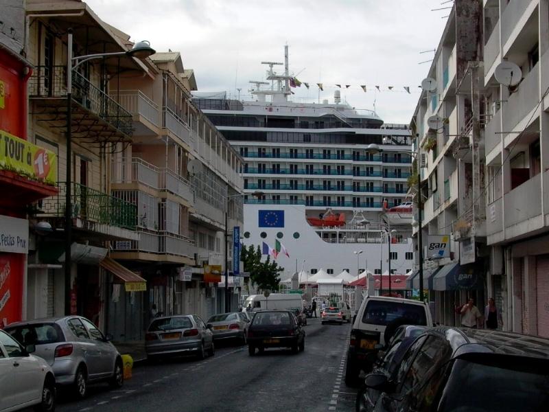 Cruise ship in Pointe à Pitre