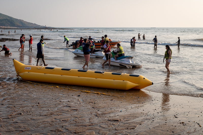 … loving their watersports - as long as it doesn´t involve actual swimming.