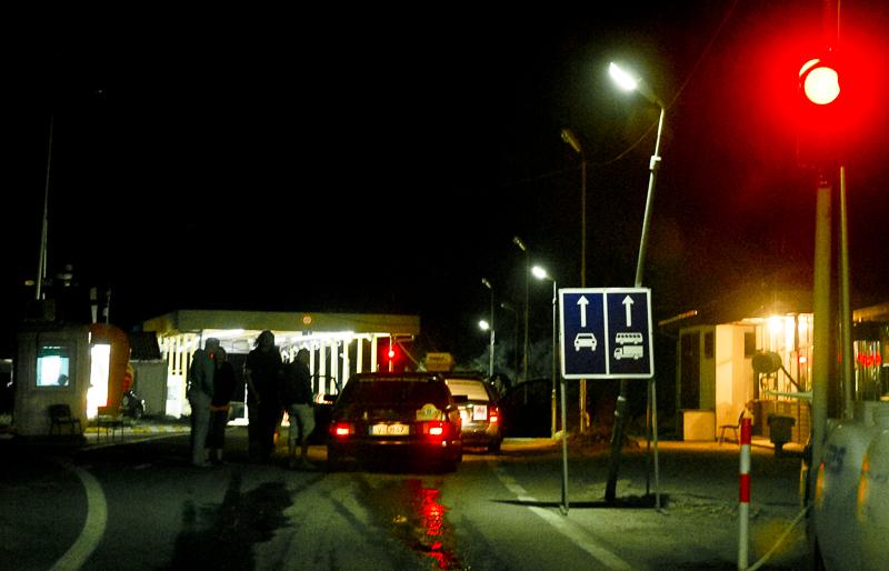 Geschafft. Früh morgens Ankunft im Kosovo …