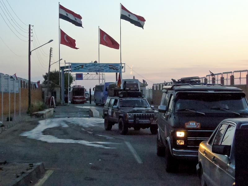 Im Morgengrauen dann: Ankunft in Syrien.