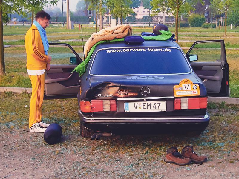 Morgens dann Ankunft auf einem Parkplatz bei Venedig. Ein paar Stunden Schlafpause, zumindest für einige von uns.