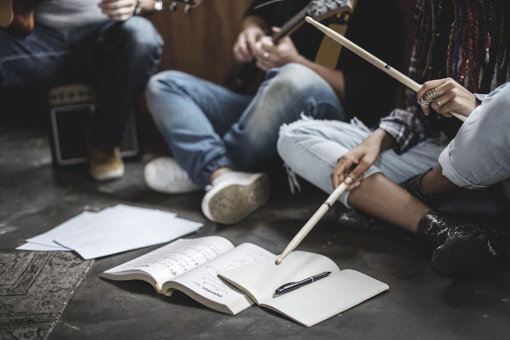 Songwriting Program - 4 day songwriting workshopTwo hours per day5 - 10 students per groupFinal recording providedMusical experience requiredCost $147 per person