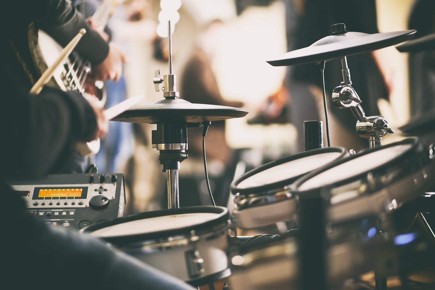 Drumming Program - 4 day beginner drumming workshopOne hour per day5 - 10 students per groupLesson books providedDrum stick & pad hire availableCost $87 per person