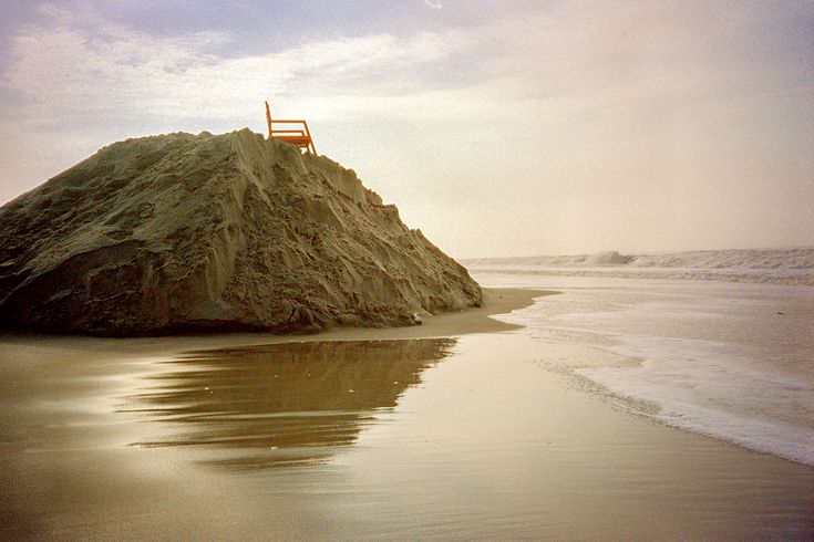 A lifeguard chair on a mountain of sand in Long Beach (LI), photographed on Fujicolor 200 film.