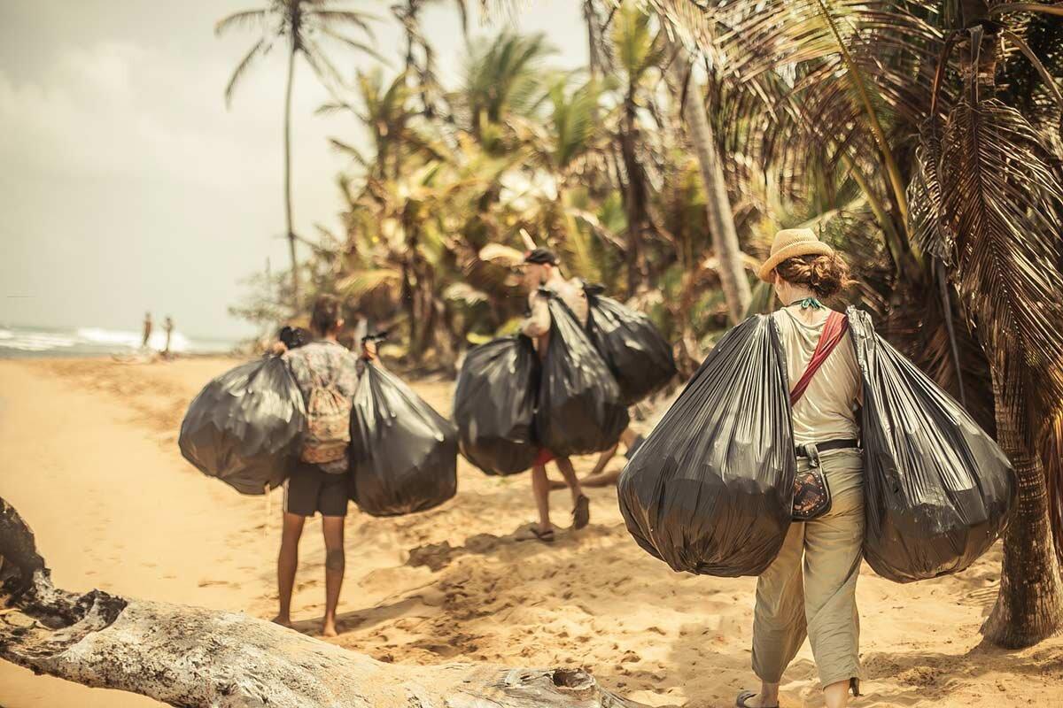 Plastic-recycling-tribal-gathering-panama.jpg