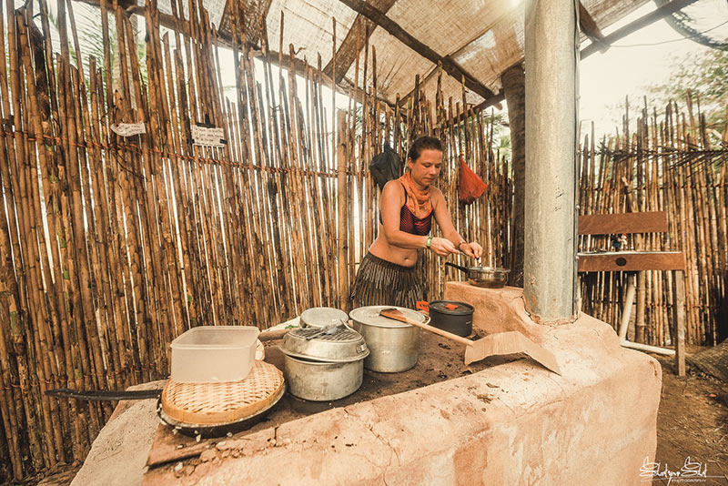 Communal-kitchen-tribal-gathering-panama