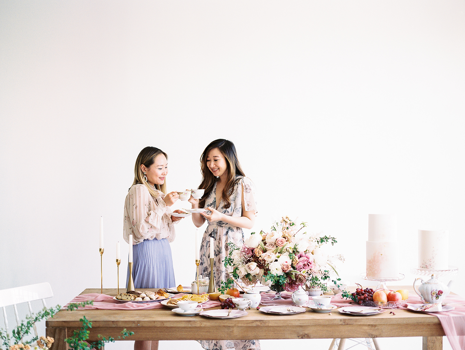 Furniture and china:  Little Vintage Rentals  and  Your Green Room ;Styled by  Olea & Fig Studio ; Photo by  Kylee Yee Photography .
