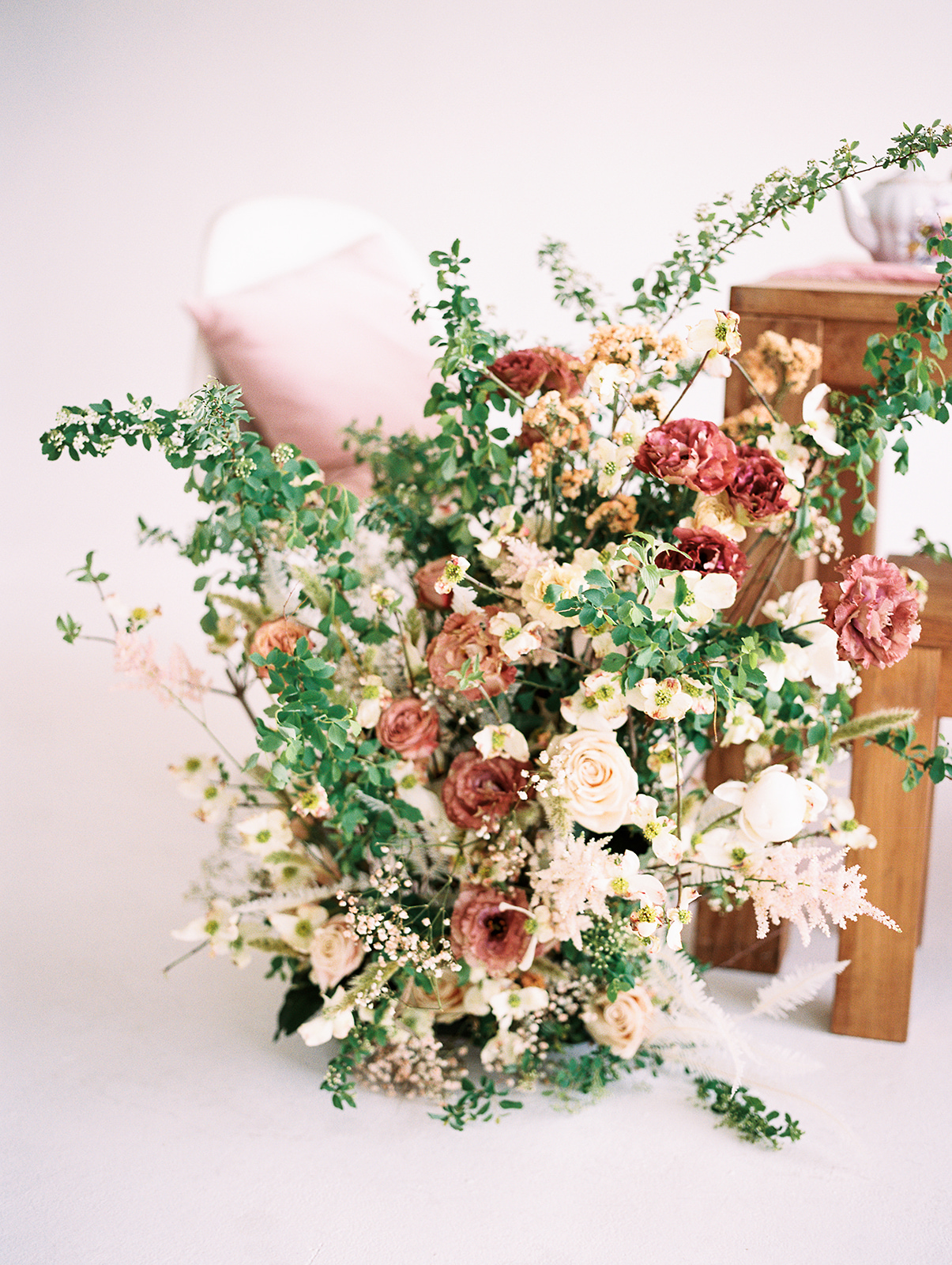 Flowers by  BloomBar ;Furniture and china:  Little Vintage Rentals  and  Your Green Room .