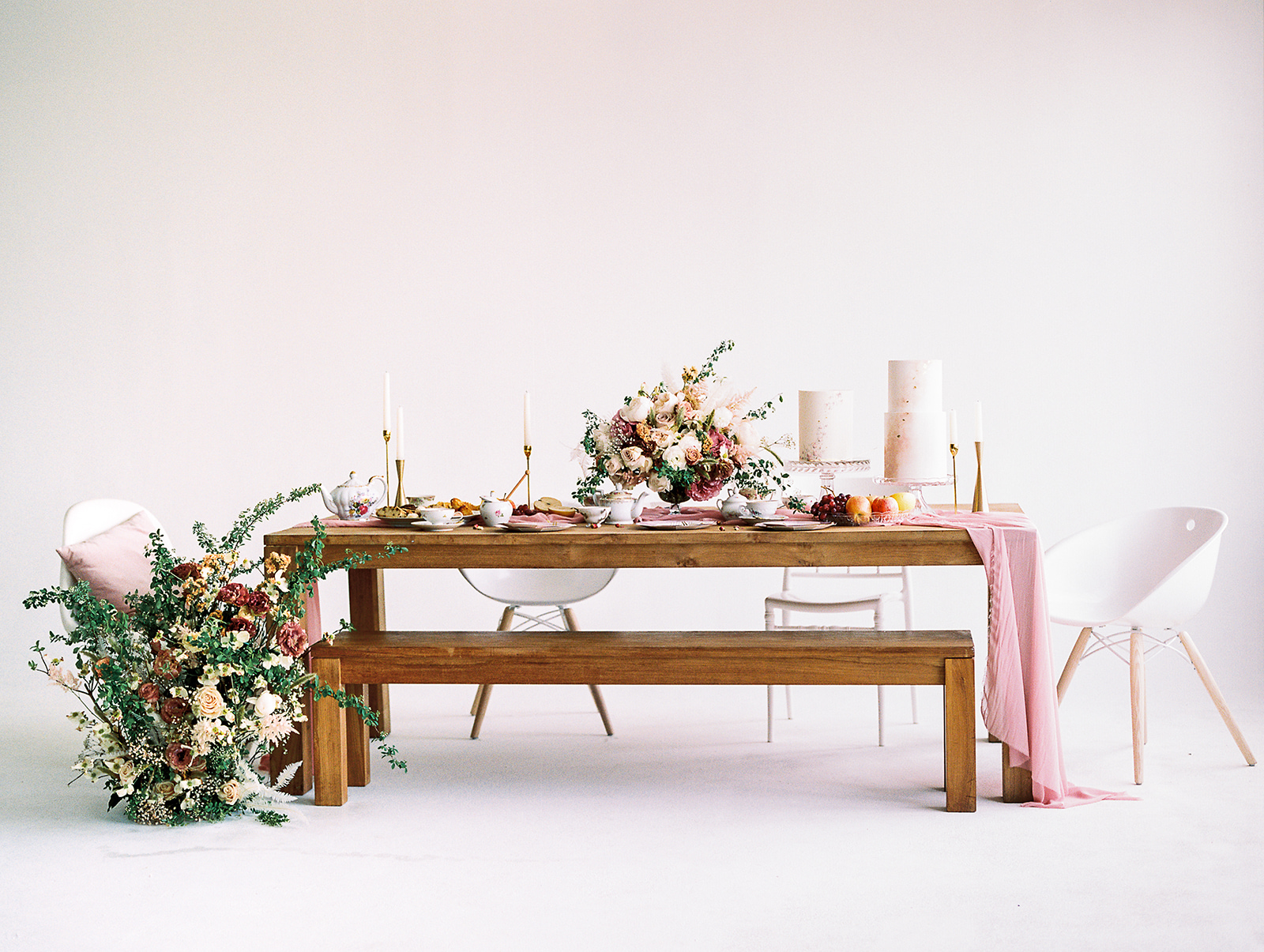 Styled by  Olea & Fig Studio ; Photo by  Kylee Yee Photography .