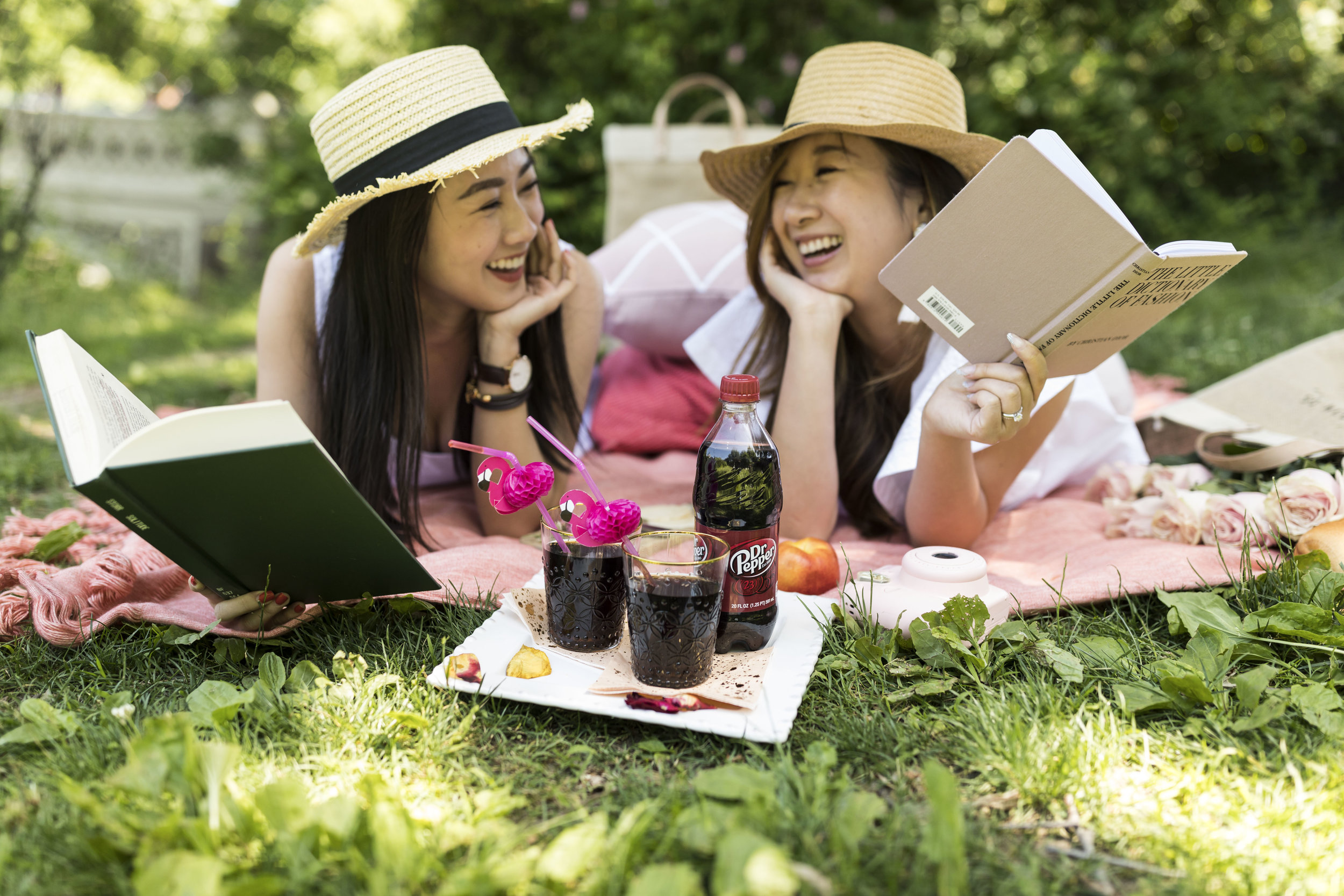 Enjoying a picnic party with Lisa from  @stylevoila . Photo by  Ashley Gallerani .