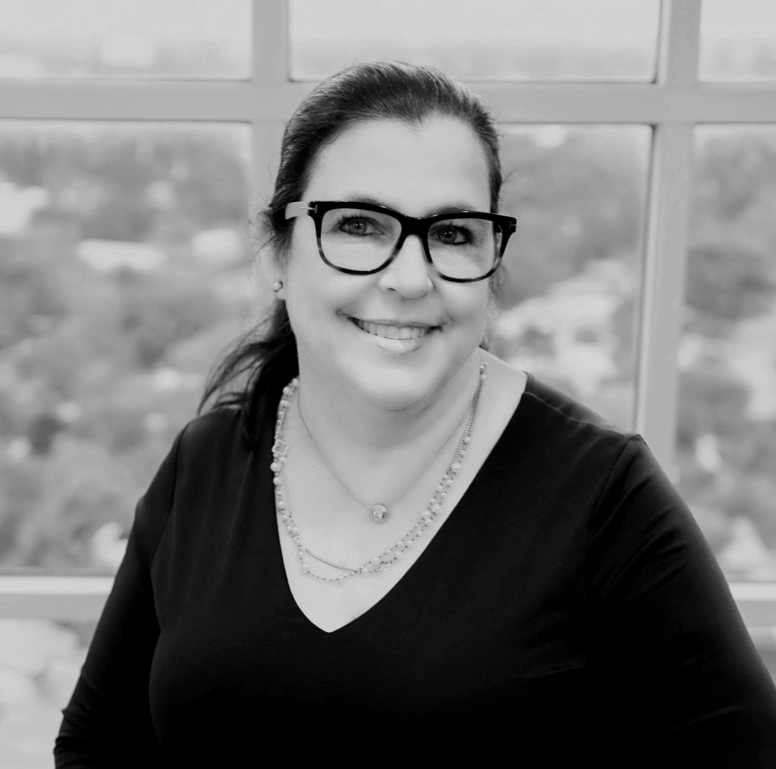 Treasurer   Juliana Sharkey. 3Form / Bierman Group  IIDA Industry