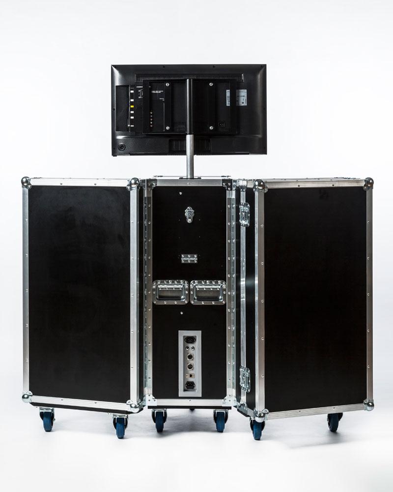 Q2000-mobile-laser-tag-system-5.jpg