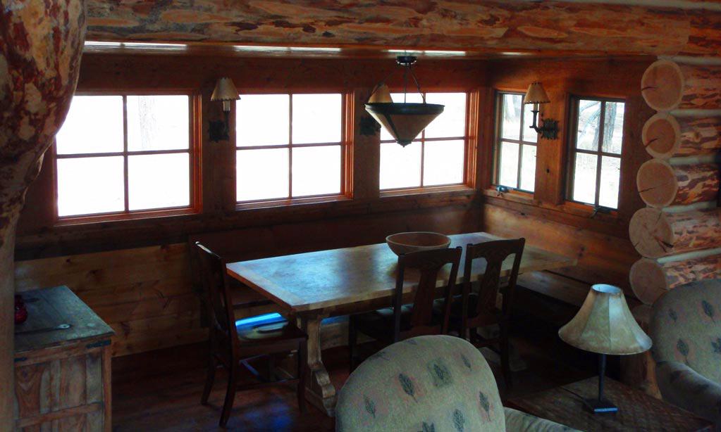 loghouse-interior3.jpg