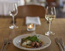 Corkins-Lodge-Web-Sm-Santa-Fe-dining.jpg