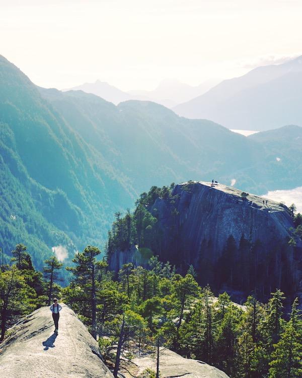 Hiking the Chief - photo credit: Ngaio H. @creeks.and.peaks