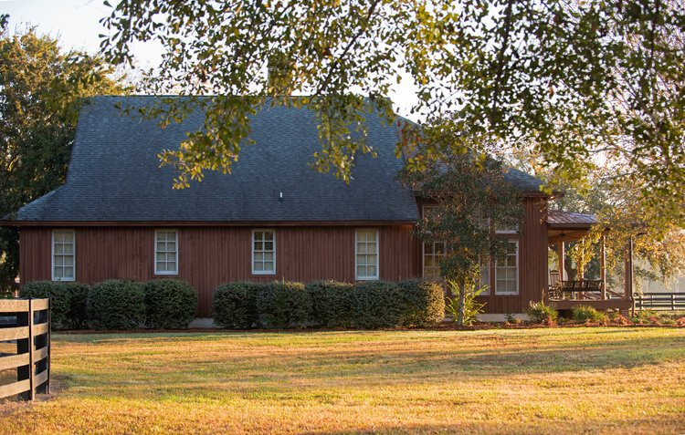 Shadow-Oak-Plantation-Lodge-side.jpg