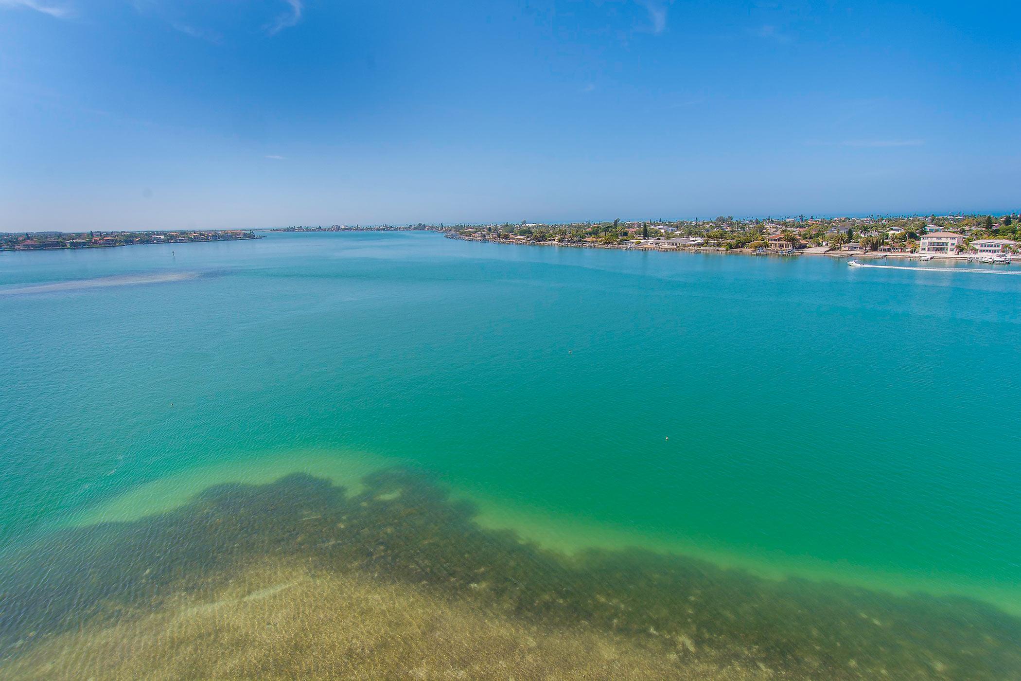 Isla del Sol and The Bayway Islands