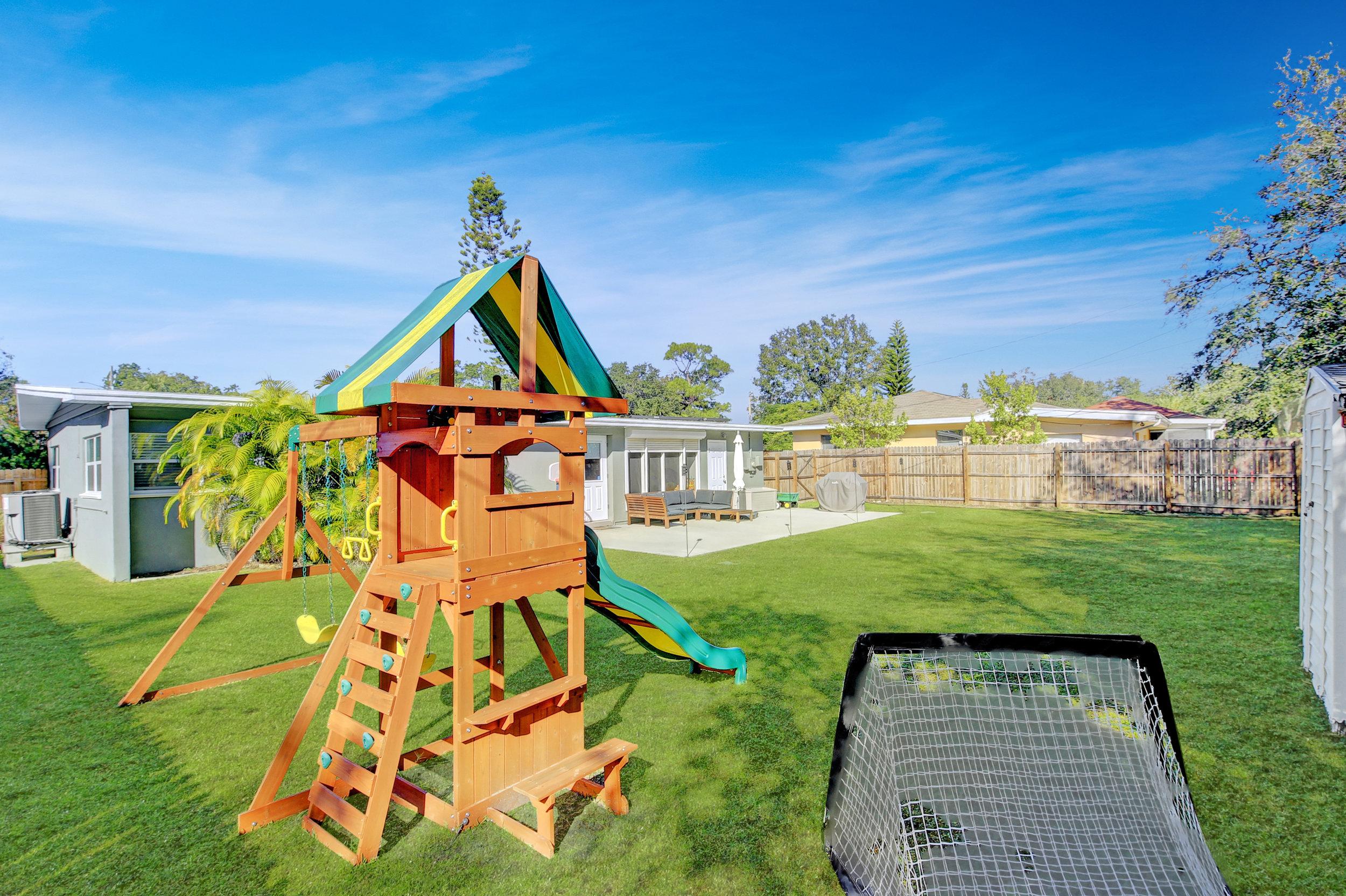 024_Playground.jpg
