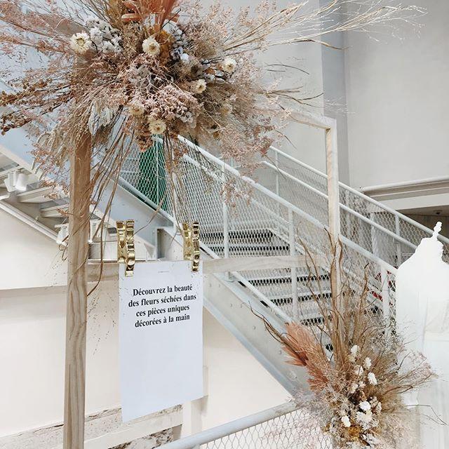 Des fleurs chez @andotherstories jusqu'à dimanche !  #faitmain #bride #andottherstories #driedflowers