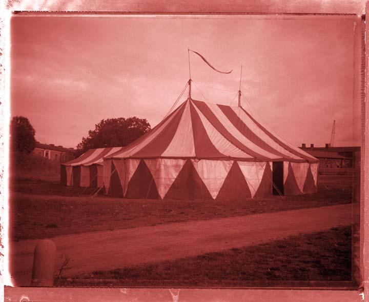 08_020_circus-tent-Cerise--.jpg