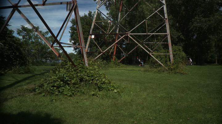 17_008_Videoo Still manscape Ile Aux Fesses.jpg