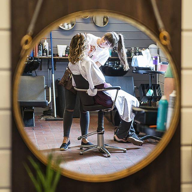 Detaljer fra forberedelser🌸💎 #weddingphotographer #mirror #holmestrand
