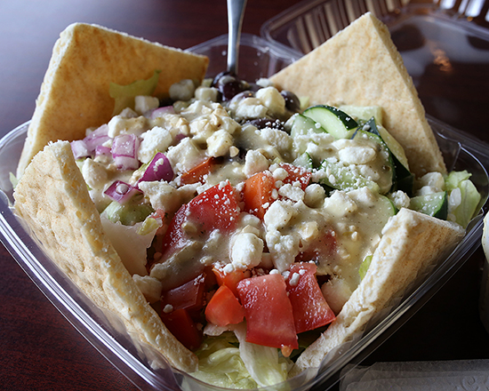 UncleNick-s_GreekSalad_550x440.jpg