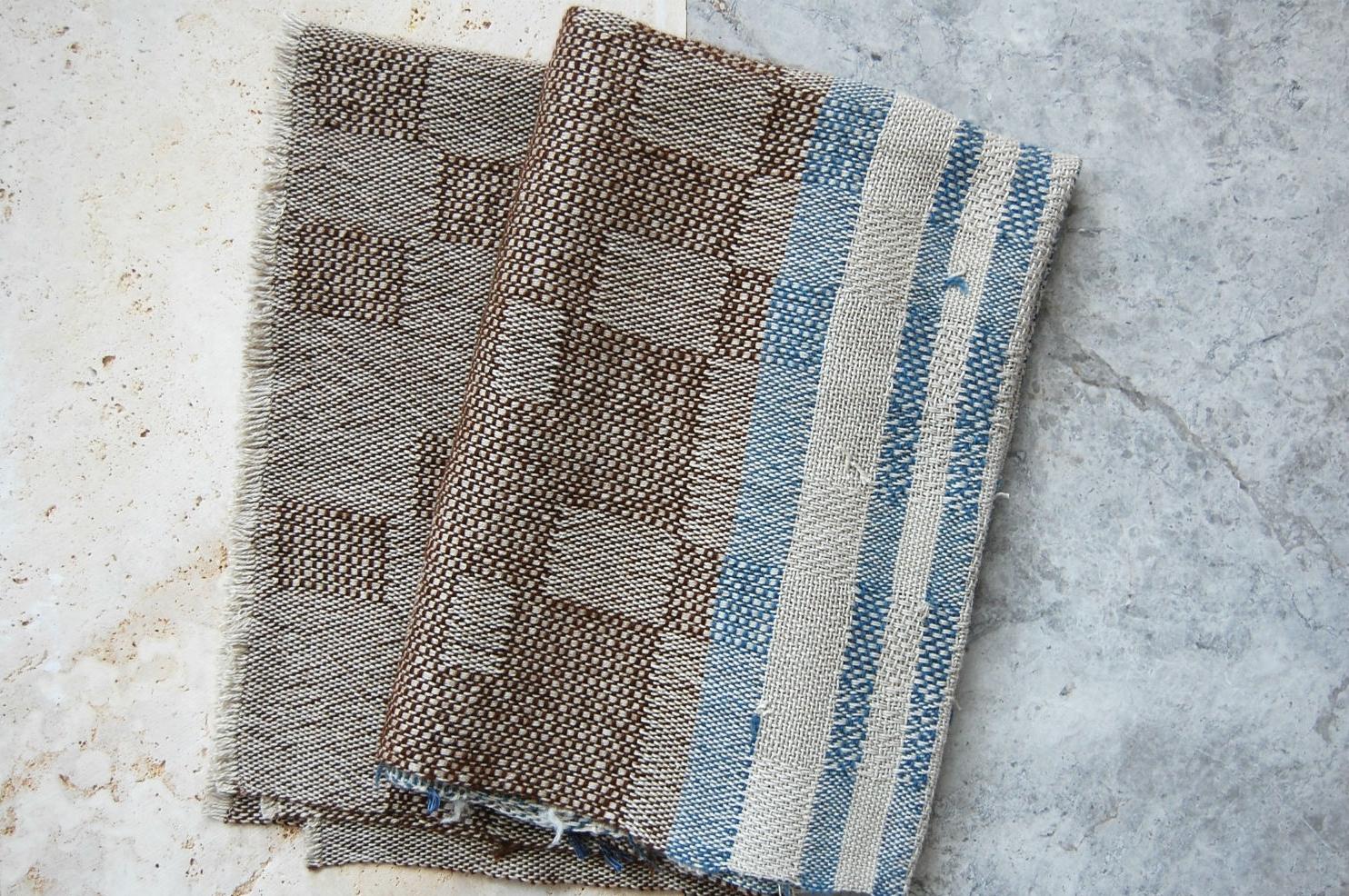 brown_alpaca_blue_white_stripes_L.jpg