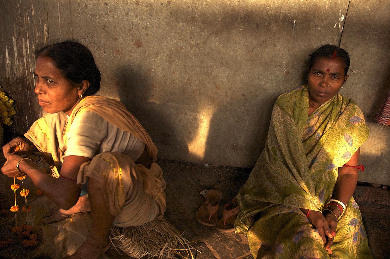 ladiesintunnel_india.jpg