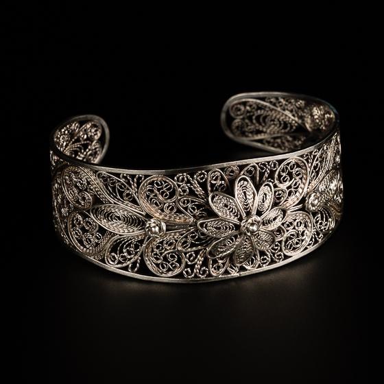 cuffs & bracelets -
