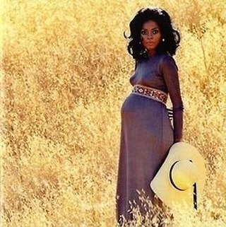 Diana Ross, pregnant with her daughter, @TraceeEllisRoss, in 1972. www.blackinthedaypodcast.com #blackintheday #blackinthedaypod #history #historical #culture @rainbowjohnson #blackish #vintageblackglamour #rockingthatbump #alwaysbeenbeautiful