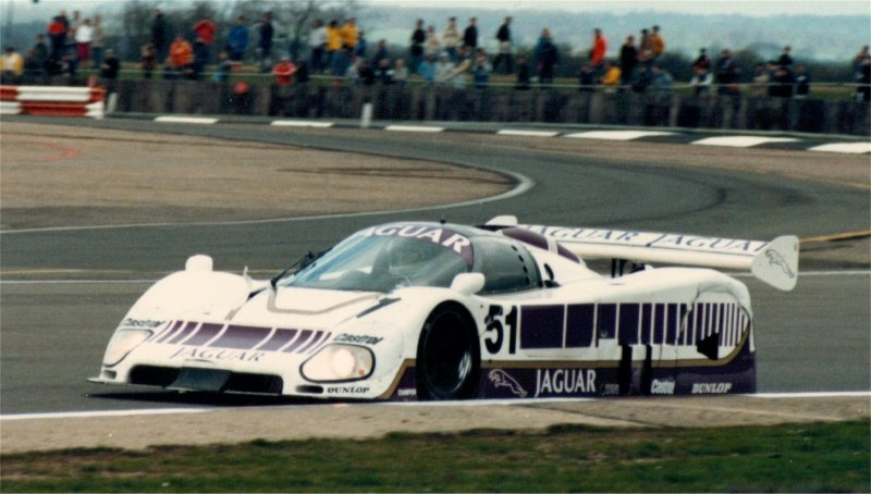 jaguar-xjr-6-05.jpg