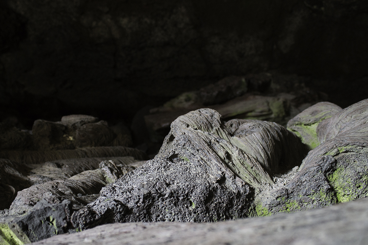 Rock structures in Dewdrop Cave