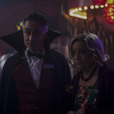 Curious about our #CAOS coverage? It's available on Patreon! Chapters 1-4 are unlocked and Season Two is releasing weekly. Here's a bit from Chapter 15: Dr Cerberus's House of Horrors  Too much filler, not enough killer. It's time for a fun anthology episode as Ms. McGarvey rolls into town and offers some tarot readings to Sabrina and her besties. Some of the stories are enjoyable enough, and get at some deeper character notes. Some are absolutely expendable and frankly, kind of gross (*cough cough Roz and Zelda cough*). And Theo's story is...well it's another awkward choice from this team. Seriously, though, six stories is too damn many for this show, and it needed to focus a bit more. But if things pay off from here, at least that'll be something. Not that we have a lot of trust for this group on that front... #sabrinaonnetflix #tvreview #patreoncontent #sabrinaspellman #macintoshandmaud