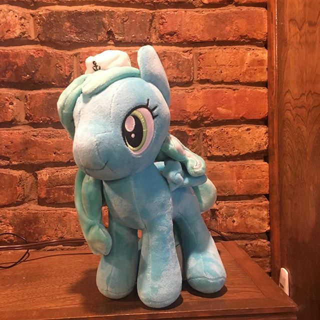 #SeaSailor has arrived at the Macintosh & Maud Stable!!! Thank you @SeaBronies  #mlpfim #brony