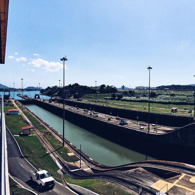 El majestuoso Canal de Panamá, una increíble obra de ingeniería.