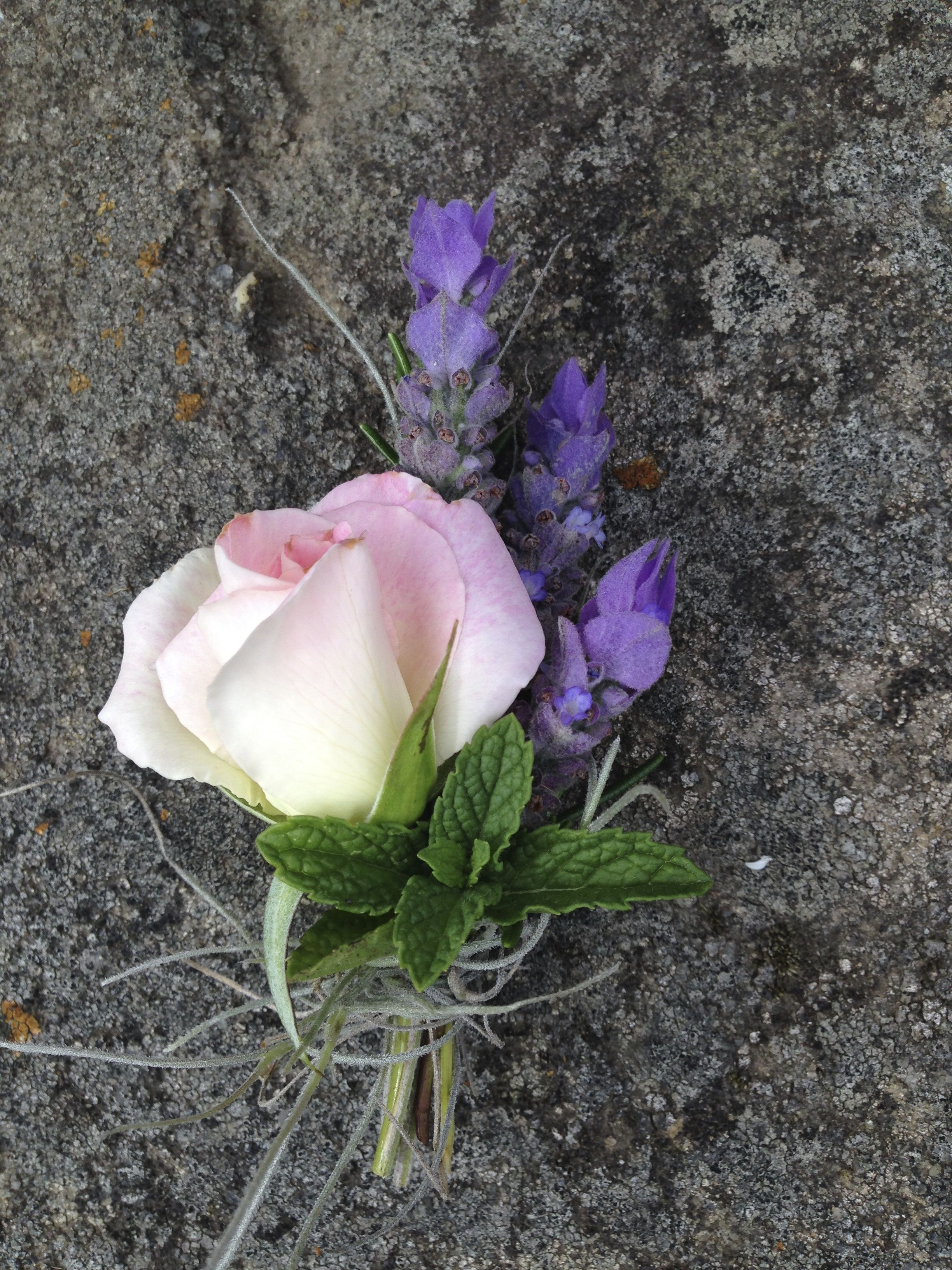 Dancing Blossom Studio Foraged Buttonhole.jpg